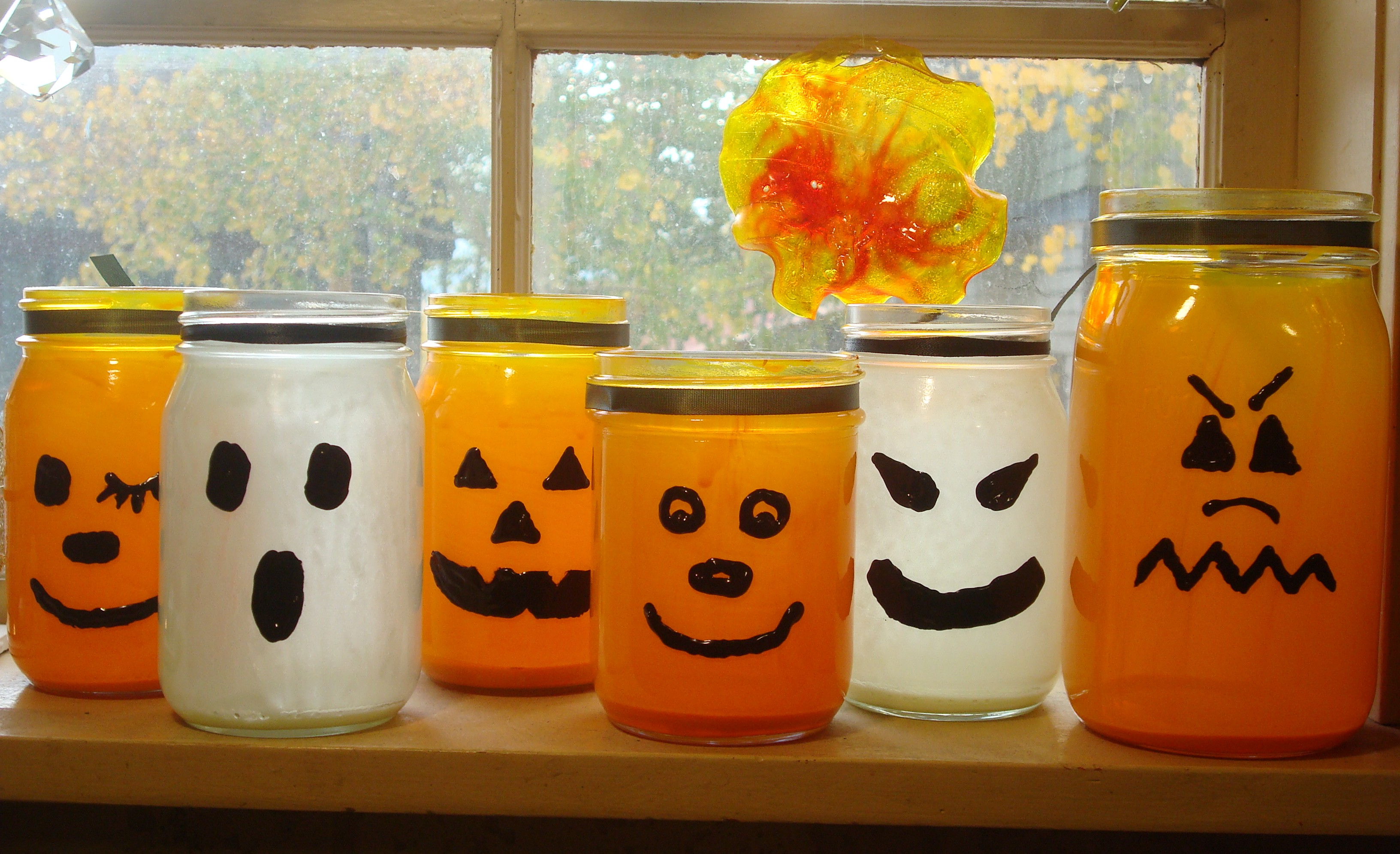 how to make halloween paper lanterns