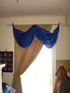 I'll save you the whining about this one and just simply say I sewed two valences together.