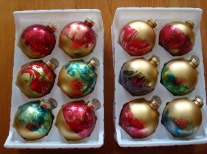 Fingernail polish ornaments